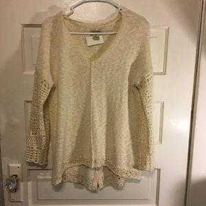 Lucky Brand Sz M Cream VNk Sweater Crochet Accents